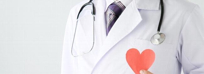 腫れない二重埋没法を実現する名医の条件